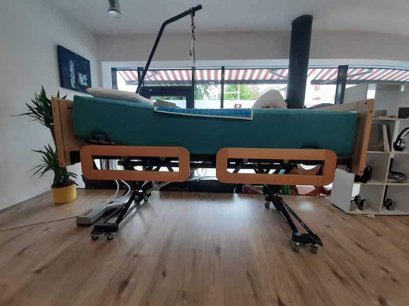 Pflegebett schweiz Krankenbett gelbett-outlet